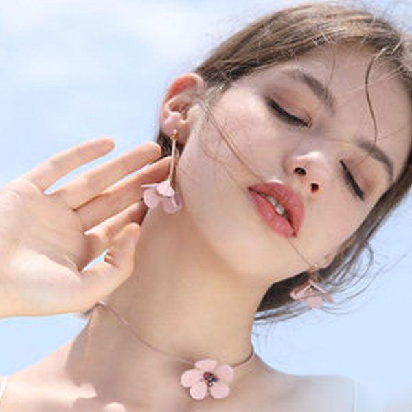 Leatherette Blossom Choker