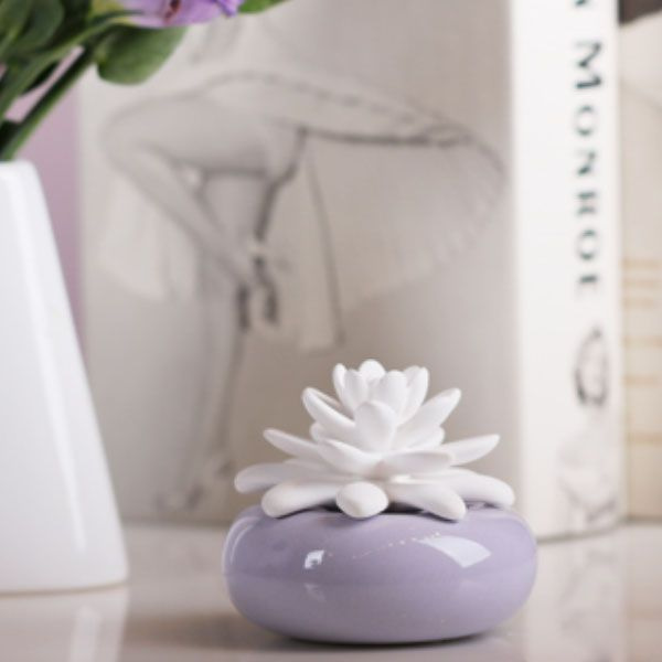 White Lotus Porcelain Diffuser