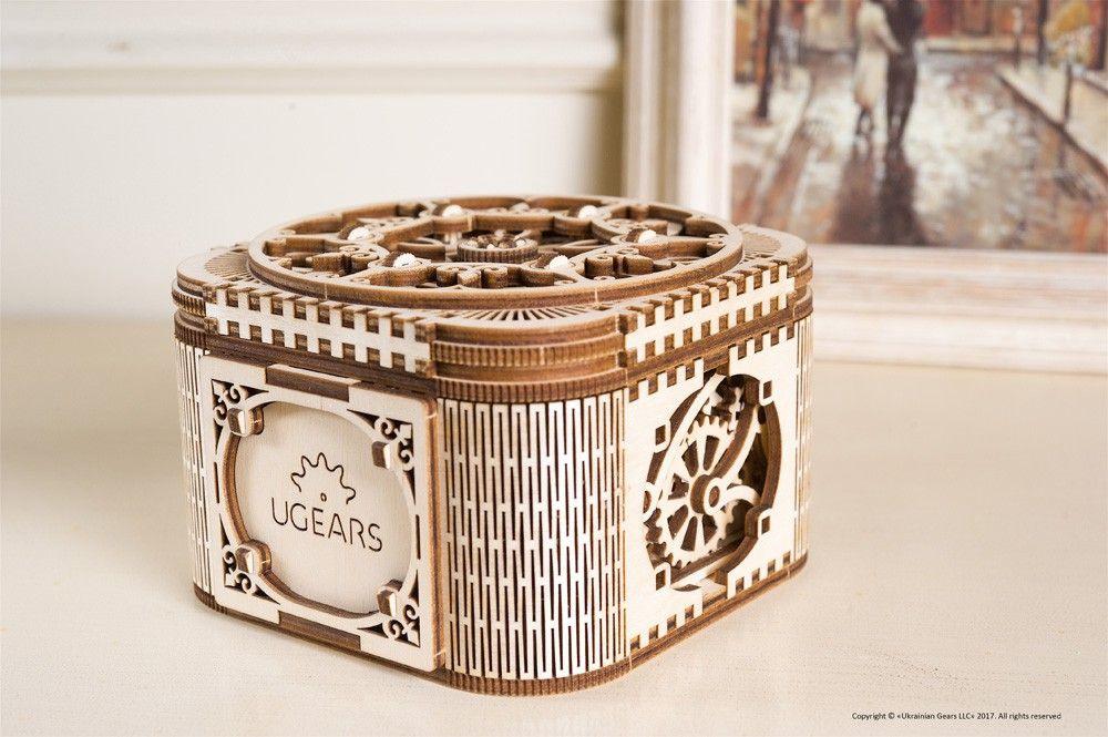 UGEARS Treasure Box Model Combines Tech and Art Innovations
