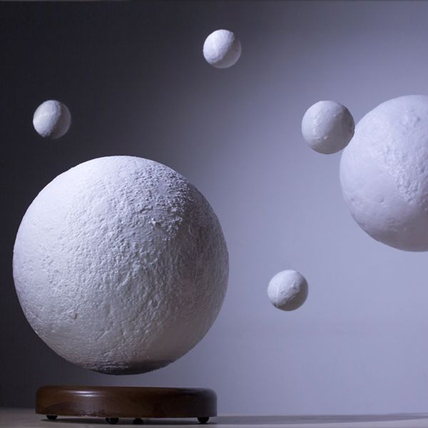 product image for Leviluna - Levitating Moon Lamp
