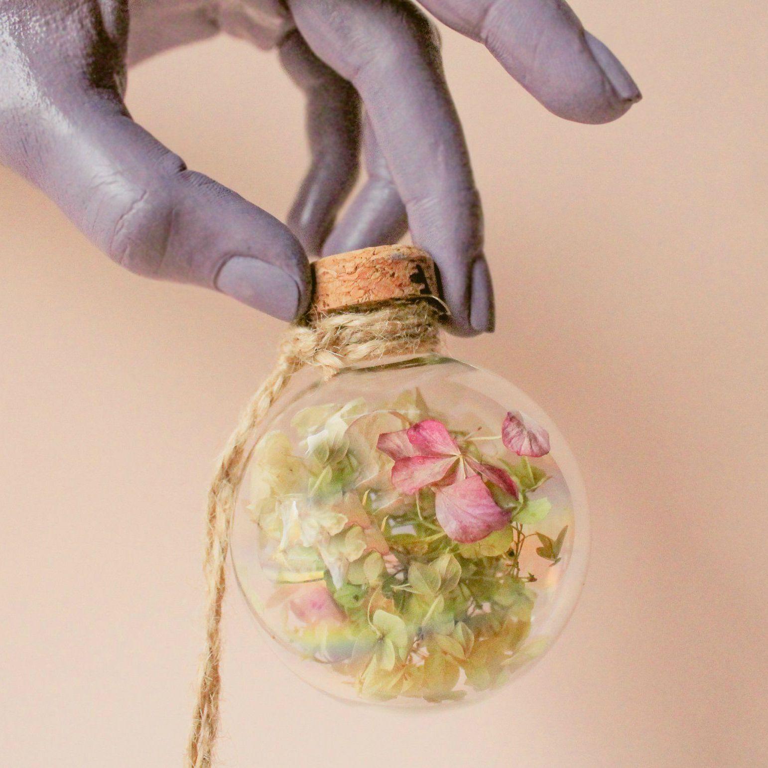 Holiday tree decoration with hydrangea
